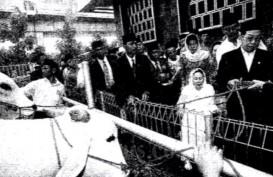 Historia Bisnis : Tim Raja Ekonomi Gus Dur Dikritik Tak Jelas Kerjanya