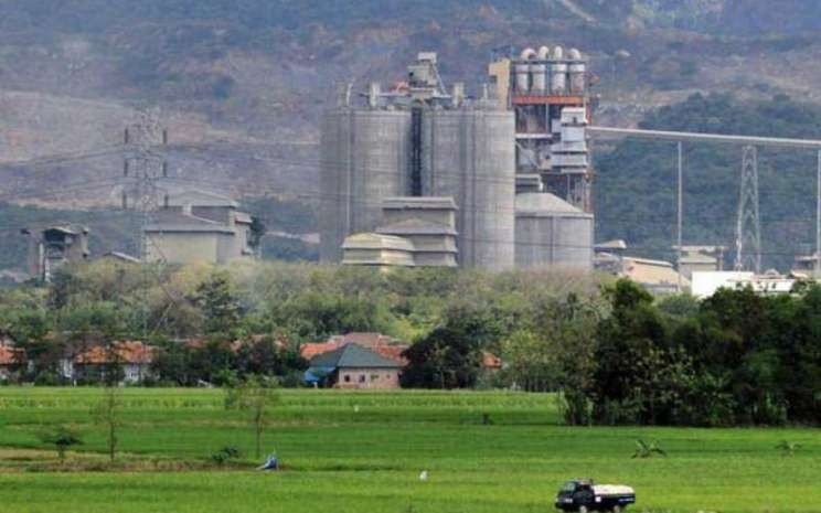 Pabrik semen milik PT Indocement Tunggal Prakarsa Tbk.