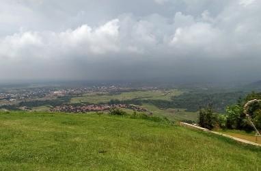 Jelajah Segitiga Rebana: Nikmati Majalengka dari Ketinggian di Gunung Panten