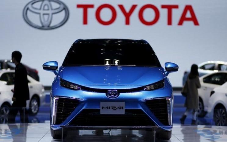 Sebuah mobil Toyota Mirai terlihat di Pameran Industri Otomotif Internasional Shanghai - Reuters/Aly Song.