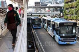 Jaga Jarak: Pengguna Transportasi Publik Turun 40…