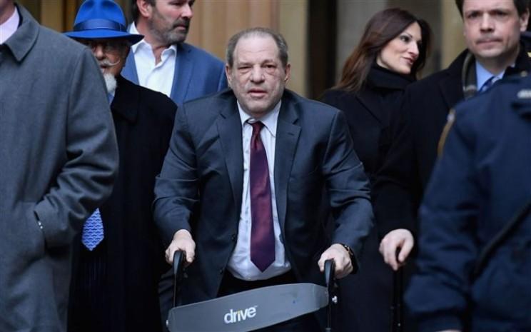 Harvey Weinstein Dikabarkan Terjangkit Virus Corona di dalam Penjara. - NBCNews