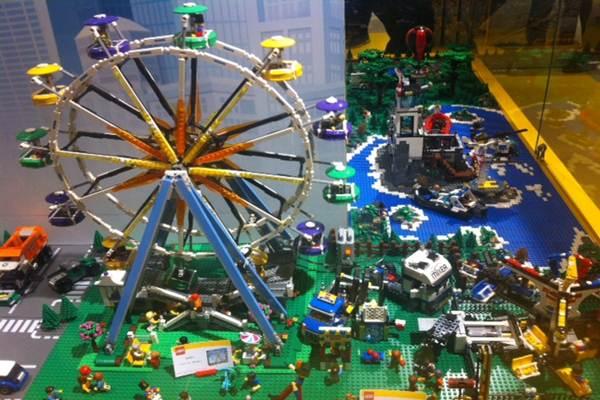 Lego - Bisnis/Mia Chitra Dinisari