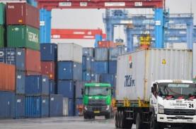 Industri China Bergeliat, Arus Peti Kemas di Tanjung…