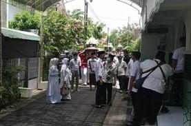 Jenazah Ibunda Presiden Jokowi Disalatkan di Masjid…