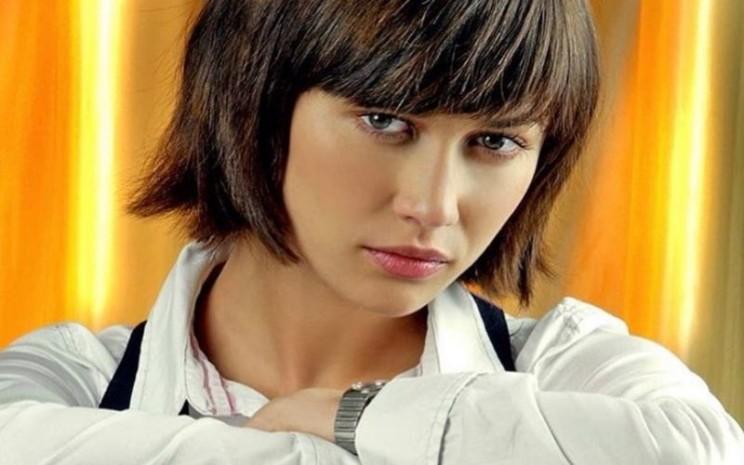 Aktris pemeran film James Bond, Olga Kurylenko telah pulih setelah dinyatakan positif terkena virus corona. - instagram @olgakurylenkoofficial