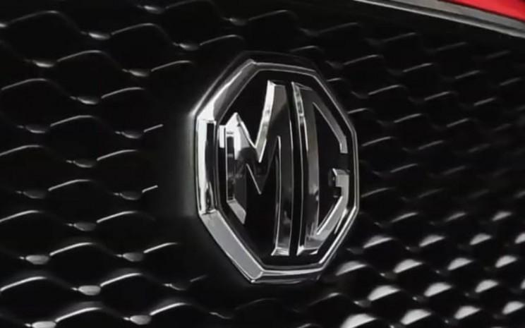 Logo Morris Garage di bagian depan MG ZS dalam peluncuran virtual - MG Virtual Launch/MG Motor Indonesia.