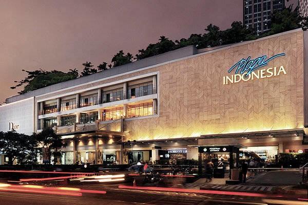 Plaza Indonesia, salah satu portofolio Indonesian Paradise Property (INPP). Pada Juni 2019, INPP menjual saham di entitas asosiasi PT Plaza Indonesia Realty Tbk dan meraup laba Rp1,58 triliun.  - www.theparadise/group.co