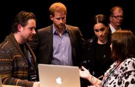 Harry dan Meghan Unggah Postingan Terakhir di Sussex Royal