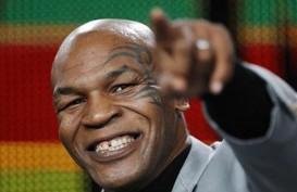 10 Tingkah Aneh Mike Tyson: Tantang Gorila hingga Bergulat dengan Harimau