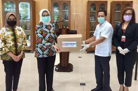 Sinar Mas Land Beri Bantuan 950 Paket APD untuk Tim…