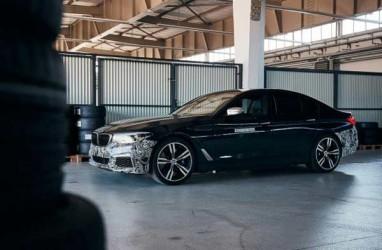 Formula E Batal, Mobil Listrik BMW Tetap 'Meluncur'