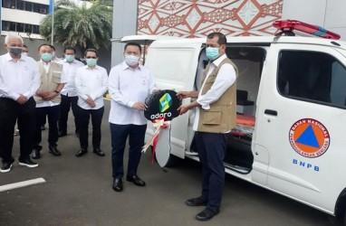 Adaro Energy (ADRO) Serahkan Bantuan 16 Mobil Ambulans