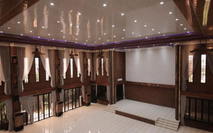 Interior JW Smart Office Tower & Convention Hall di Jatiwaringin, Jakarta Timur, proyek perkantoran yang dibangun oleh PT Capri Nusa Satu Properti Tbk. - CNSP