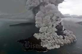 Ada Dentuman saat Erupsi Anak Krakatau, BMKG: Tak…