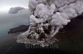BERITA FOTO : Penampakan Gunung Anak Krakatau Kala Erupsi
