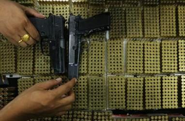Buntut Bentrokan TNI-Polri di Papua, Seluruh Senpi Personil Ditarik