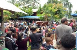 Dua Pemuda Korban Penembakan Aparat di Timika Dimakamkan