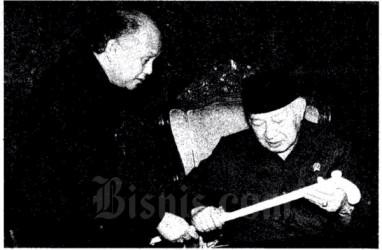 Historia Bisnis: Pak Harto Mengumpat Edan ke Sri Bintang dan Pendemo di Jerman