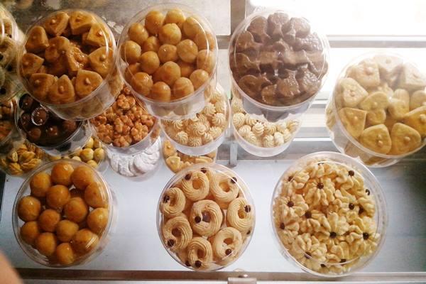 Aneka kue kering - Istimewa