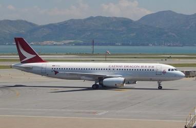 Dampak Covid-19, Penumpang Cathay Pacific Anjlok 99 Persen
