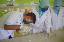 Rivera Cosmetics Bagikan Hand Sanitizer ke Rumah Sakit di Tangerang