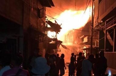Kebakaran Landa Taman Sari Jakarta Barat, Api Sambar Puluhan Rumah