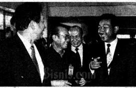 Historia Bisnis: Tommy Soeharto Goda Anggota DPR Pakai Mobil Timor