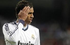 Negosiasi Kontrak Baru Varane di Real Madrid Macet, PSG Mengintai