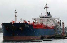 Pasokan Minyak Melimpah, Tanker Minyak Padati Selat Singapura
