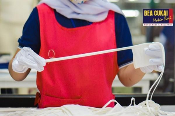 Bea Cukai Bandung Fasilitasi Produksi 2 juta Pcs Masker dan 1 juta set APD