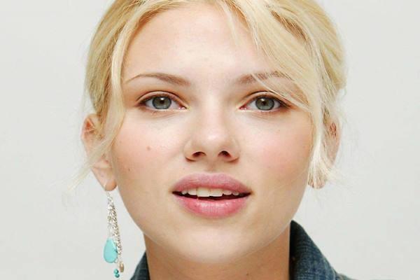 Scarlett Johannson
