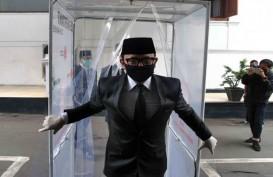 Foto Bima Arya Bersarung Tangan dan Masker Hitam Lantik Pejabat Bogor setelah Sembuh dari Covid-19