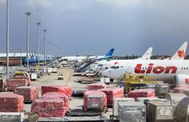 Perang Tarif di Udara, Kargo Menumpuk di Bandara