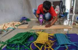 Cuan! Produsen Masker Rumahan ini Raup Keuntungan Rp15 Juta per Bulan