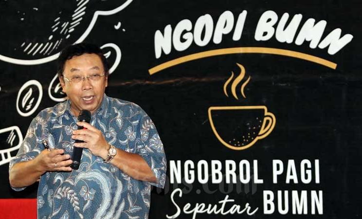 Direktur Utama Perum Perumnas Bambang Triwibowo memberikan penjelasan pada acara Ngopi BUMN bertema Strategi Perumnas Mengurangi Backlog Perumahan di Jakarta, Rabu (26/2/2020). Bisnis - Eusebio Chrysnamurti