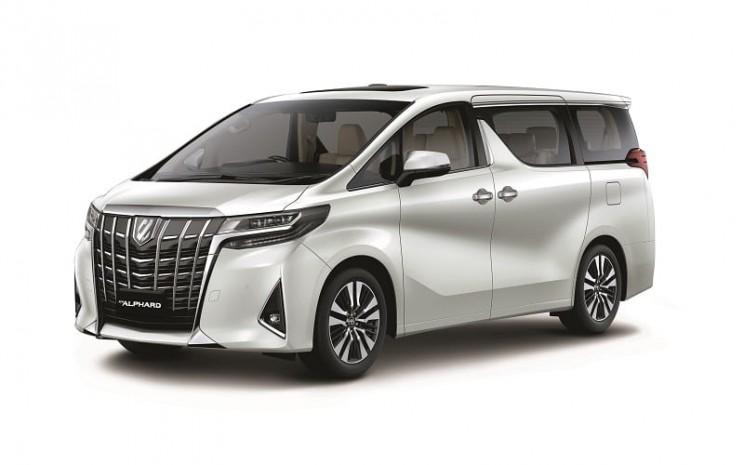 Tampilan exterior Toyota Alphard.
