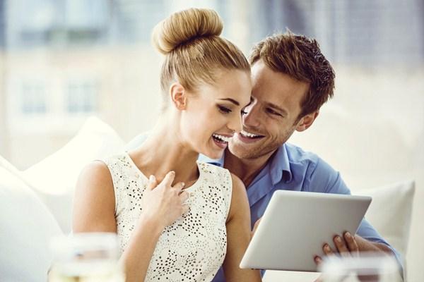 10 Cara Bikin Hubungan Semakin Romantis - Lifestyle Bisnis.com