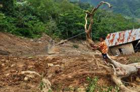 Lebak Diintai Banjir dan Longsor