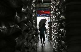 Salurkan Bantuan 155 Ton Beras, Kementan Gandeng TNI dan Bank