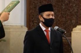 Jokowi Resmi Melantik Boy Rafli Amar Sebagai Kepala…
