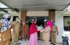 Guru Honorer di Tangerang Peroleh Bantuan Paket Sembako