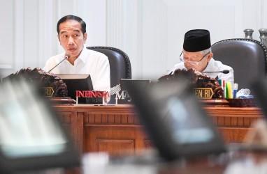 Presiden Jokowi dan Wapres Ma'ruf Serahkan Zakat Secara Daring