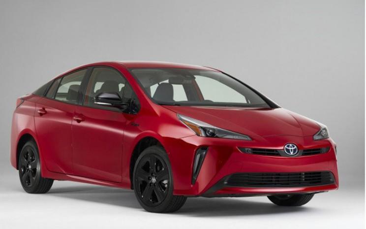 Toyota Prius edisi khusus ulang tahun ke-20, warna serba merah. - Dok. Istimewa/Toyota USA