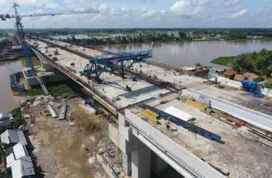 Demi Kelancaran Arus Logistik, Perbaikan Jalan di Sumsel Dikebut