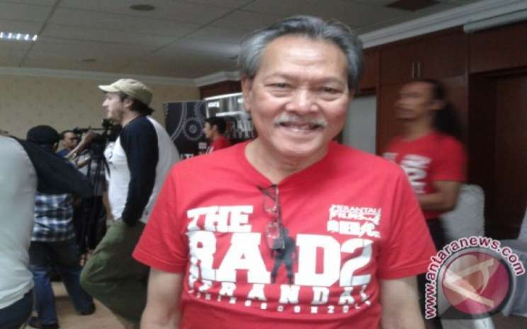 Aktor Henky Solaiman pada peluncuran DVD The Raid di Jakarta, Kamis (20/12/2012. - ANTARA News/Nanien Yuniar)