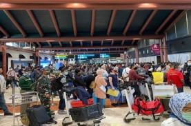 Bandara Soekarno-Hatta Membeludak, Luhut Sebut Pemerintah…