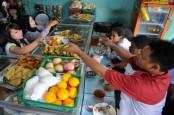 Bank Mega Syariah-NU Care LAZISNU Gandeng UMKM Sediakan Makanan Berbuka