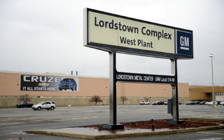 Pemandangan pintu masuk Pabrik Barat di Kompleks General Motors, Lordstown, pabrik perakitan di Warren, Ohio, AS, 26 November 2018. REUTERS