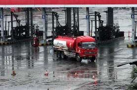 Pertamina Patra Bagi Sembako untuk Keluarga Awak Mobil…